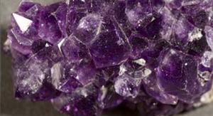 Biomattan innehåller högfrekventa Ametistkristaller.