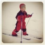 Agnes på skidor